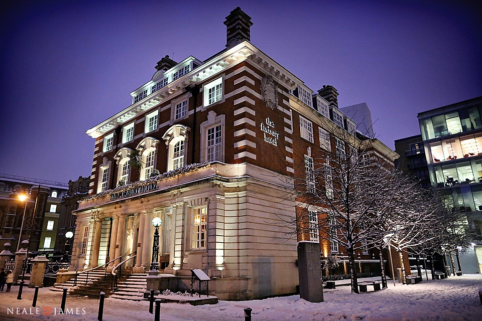 A picture of Reading's Forbury Hotel covered by snow