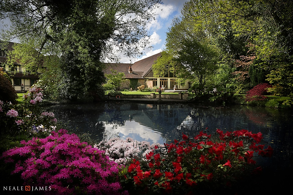 Beautiful colour picture of Rivervale Barn's grounds in summer